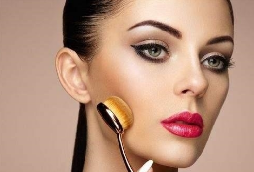 benefits of using a foundation brush